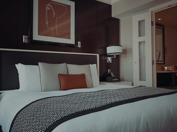 Разнообразие от възглавници и завивки за Вашият дом или хотел.